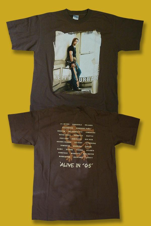 "KEITH URBAN - 2005 ""ALIVE IN '05"" CONCERT TOUR T-SHIRT *NEW* / SZ. MEDIUM"