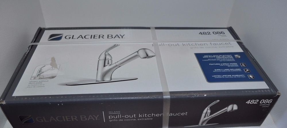 Glacier Bay Milano Single-Handle Pull-Out Sprayer Kitchen Faucet in Chrome