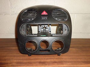 98 99 00 01 02 03 04 05 VW Beetle Dash Center Radio Vent Bezel Trim Assembly OEM
