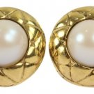 Chanel Quilted Pearl Earrings CCAV304