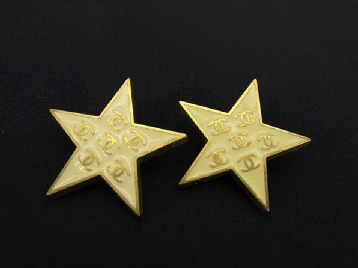 Chanel CC Star Earrings 211136
