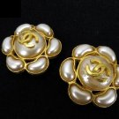 Chanel 97A Pearl Gripoix Flower CC Earrings 211004