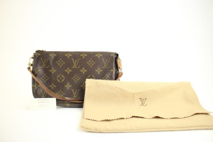 Louis Vuitton Monogram Pochette Accessories Wristlet 41lva221 Clutch