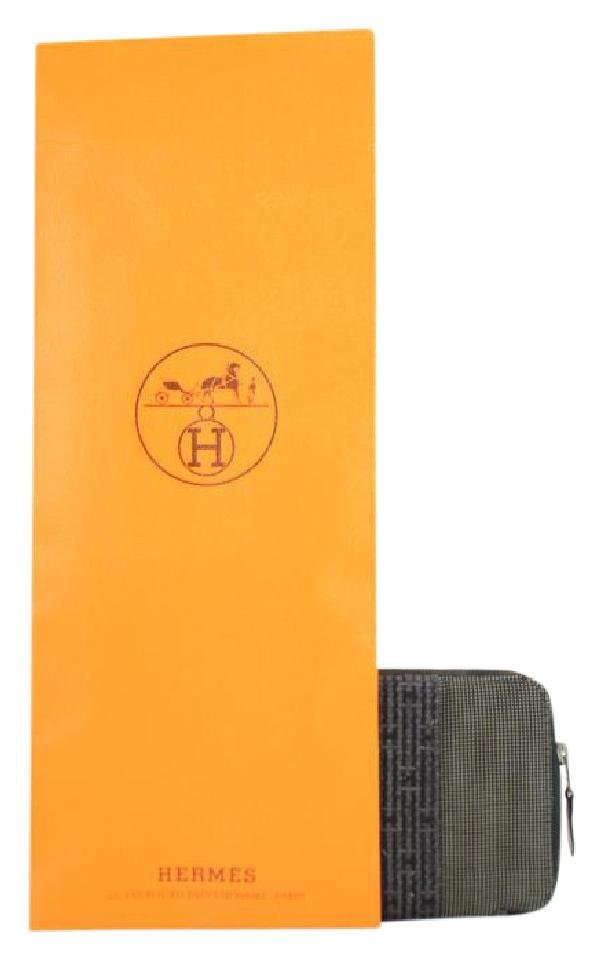 Hermès Zip Around Wallet 1HERTY3217