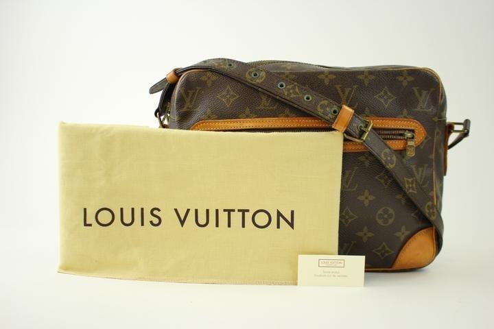 Louis Vuitton Potomac 214726 Monogram Cross Body Bag