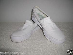 Keds Original  Womens White Canvas  Slip-On Sneaker Size 8