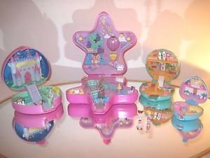 POLLY POCKET  COMPACT PLAYSETS INCLUDES LIGHT-UP FAIRY LIGHT WONDERLAND