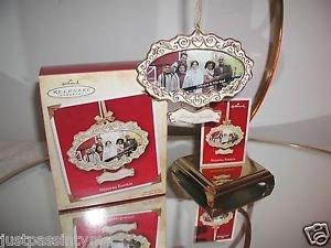 """Hallmark Keepsake,""""Nuestra Familia"""" Holiday Ornament,Christmas Ornament"""