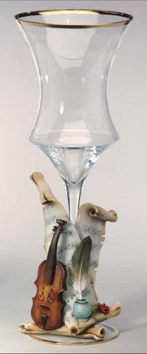 Cevik Vase w/ Violin