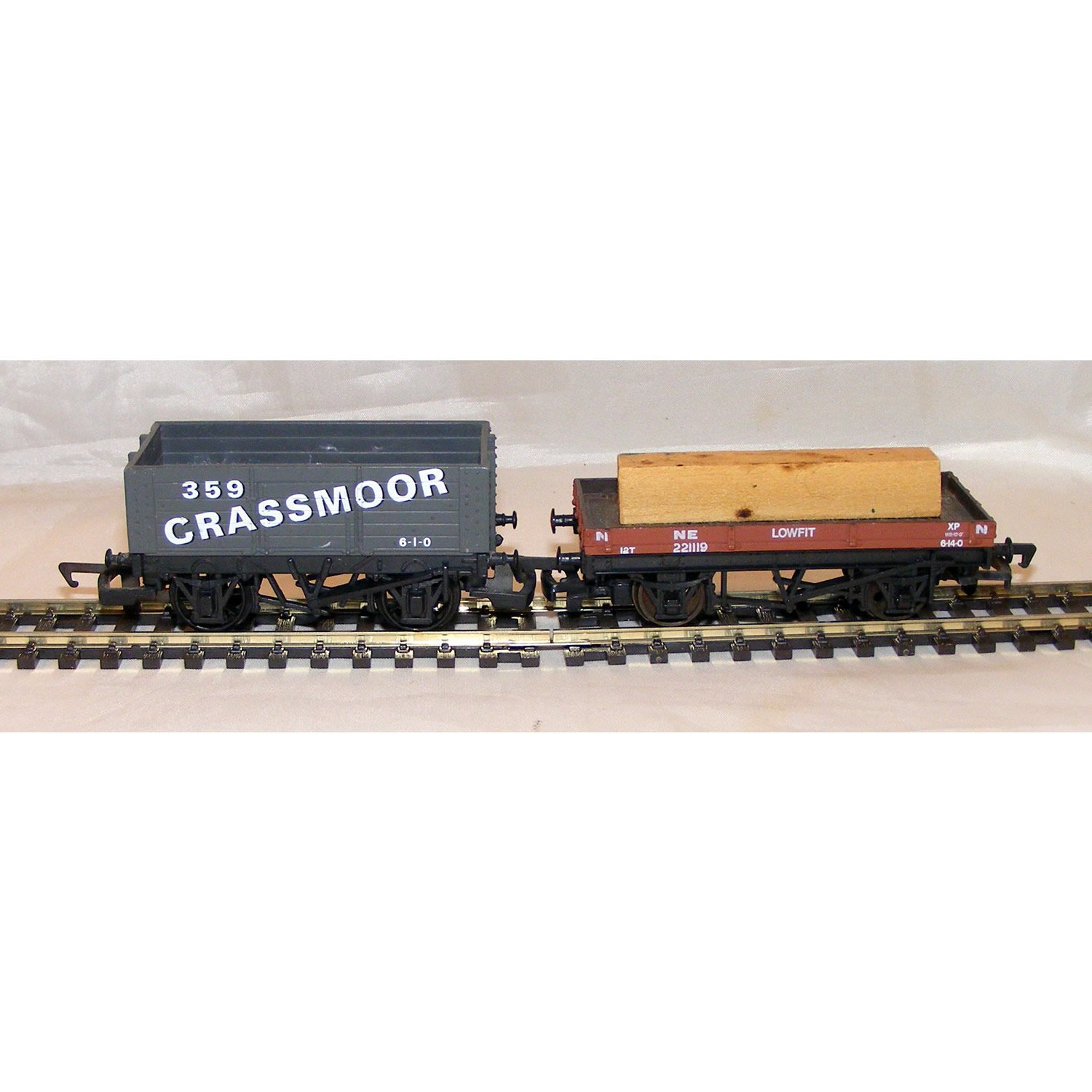 OO Gauge Private Owner Coal Wagon and 12 Ton Lowfit Wagon with Load