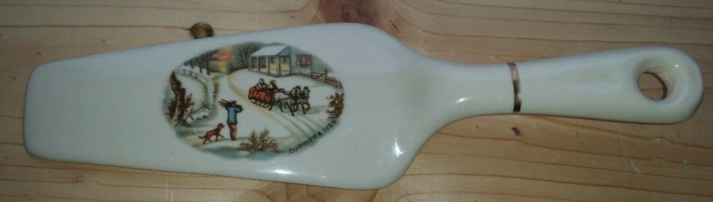 Currier and Ives Pie/Cake Server Winter Scene Sleigh Ride Royal China