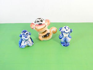 Set of 3 small Porcelain monkey figurine