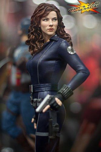 Black Widow Regular Sideshow Premium Format Avengers Read