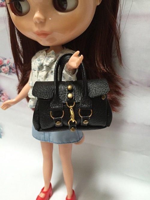Black Fashion Handbag for Dolls Scal : 1/6