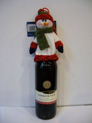 Snowman with figurines fo wine