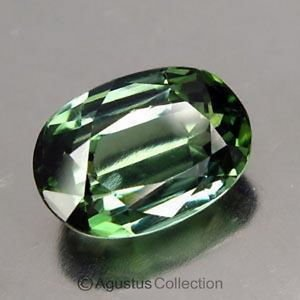 0.60 cts Green SAPPHIRE Oval Facet-cut Natural Gemstone Sri Lanka Ceylon