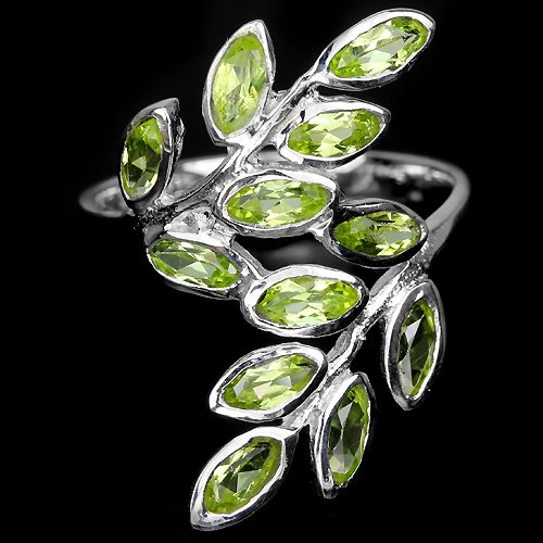 Ladies 1.8 carat Natural Green Peridot Solid 925 Sterling Silver Contemporary Ring Valentines gift