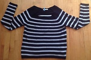 Old Navy Women's Striped Black & White Sweater Size Large