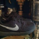 Nike Rosche Black Canvas  Size 2 Youth Model 749427-020