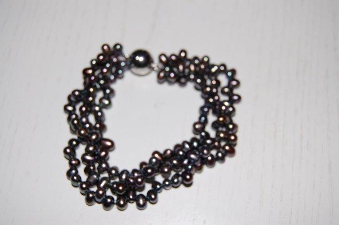 Triple Strand Zig Zag Peacock Pearl Bracelet