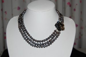 Triple Strand Pearl Necklace Peacock  N1016