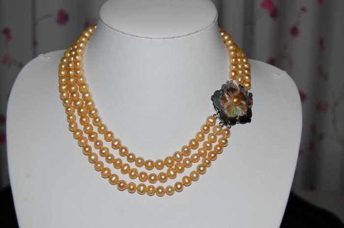 Triple Strand Pearl Necklace Yellow N1016