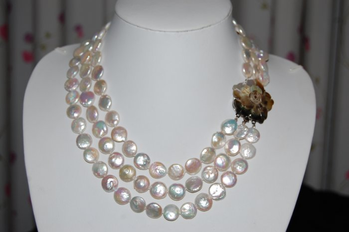 White Graduated Coin Pearl Necklace N1019