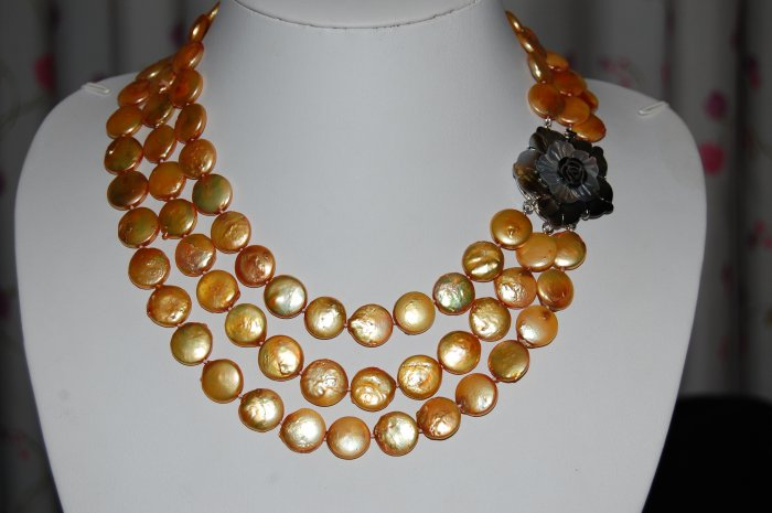 Gold Graduated Coin Pearl Necklace N1019