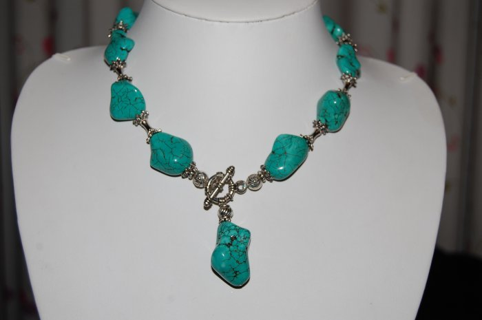 Turquoise Necklace with Beads N1153