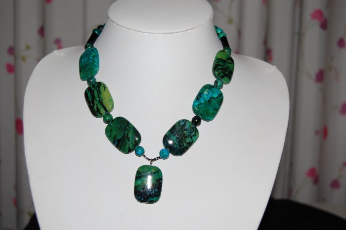 Stone and Bead Necklace N1159