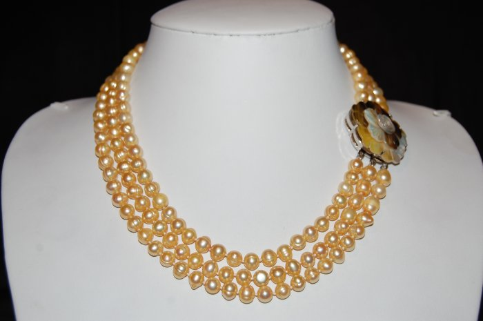 Triple Strand 7-8 mm Champagne