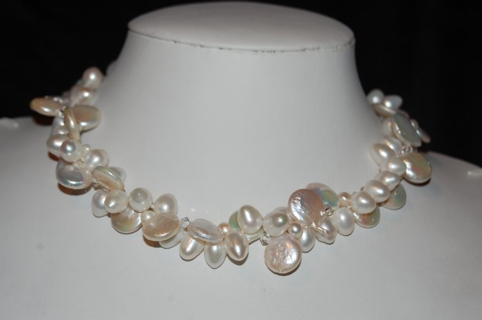 White Coin pearl with Zig Zag N1170