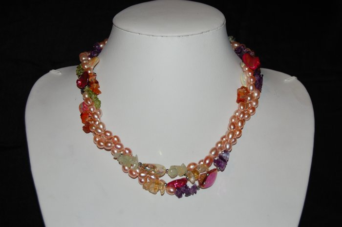 3 strand pearls with beads and shell N1099