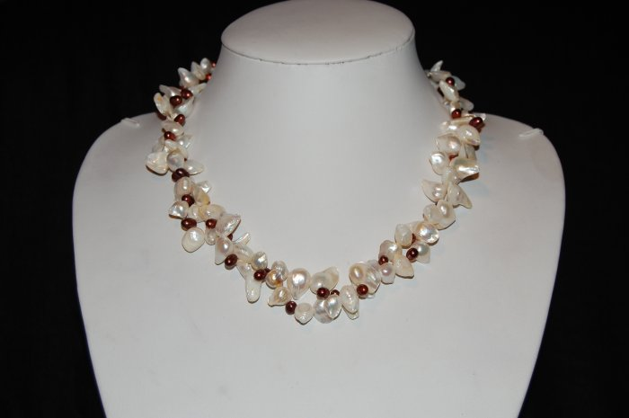 2 strand white keshi pearl with cranberry pearl N1104