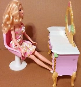 Mattel barbie Doll with chest drawer with mirror in used condition