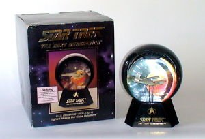 Star Trek The Next Generation USS Enterprize Snow Globe 1993