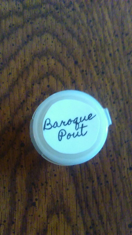 Baroque Pout