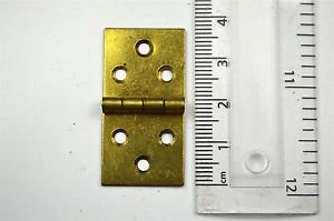 A small square brass vintage box hinge caddy hinge P27