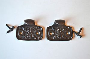 Pair or Victorian style cast iron sash window pull handle lifter with screws GW1