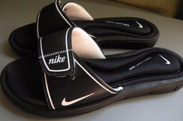 NIKE Sandals Unworn 10 Black & White