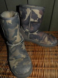 UGG Boots Soft Leather 7W (will fit larger) Camo