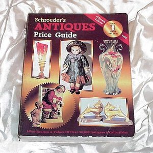 SCHROEDER'S ANTIQUES Price Guide COLLECTIBLES Glassware DOLLS More PICTURES Over 50,000 PIECES!
