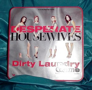AUTHENTIC First Year DESPERATE HOUSEWIVES Board Game DIRTY LAUNDRY with COLLECTOR TIN 2005!