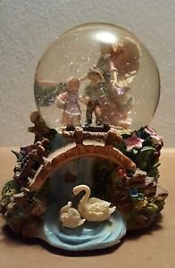 Vintage Musical Waterglobe - Angel with 2 Children - 092288001466