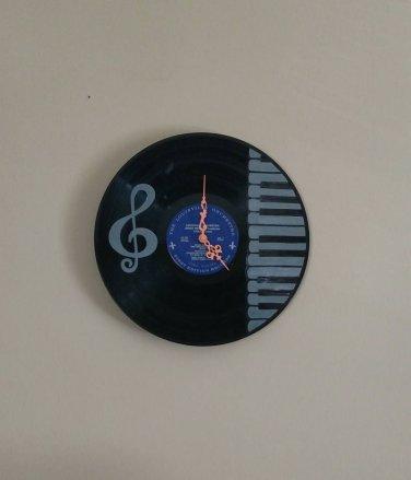 Piano Keys and Treble Record Clock