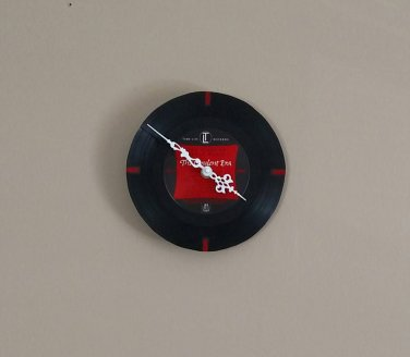 Red Bars Record Clock