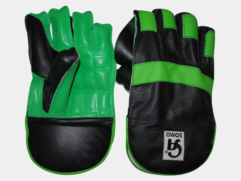 CA SOMO Wicket keeper Gloves Made of assorted split leather Available in different sizes