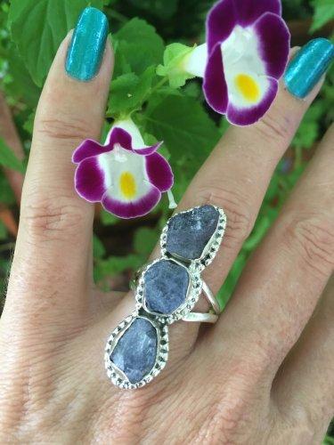 Tanzanite triple Ring. Genuine crystal. 925 Silver Beautiful Design *Stunning* size 8.5