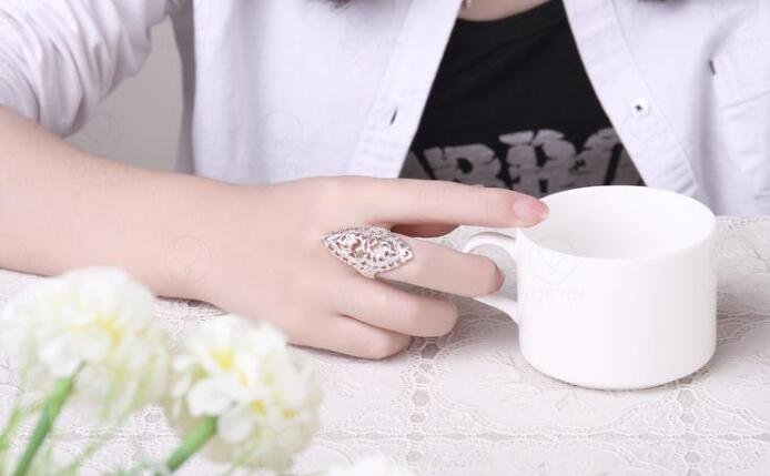Classical Creative Engraving Ring British Style Elegant Ring R698-8