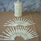 Lattice work ivory look plastic h'orderves holder with 34 forks roses Hong Kong